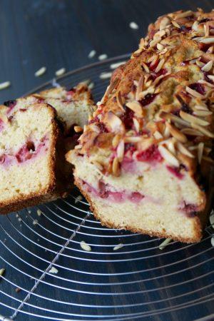 Cake moelleux au mascarpone et aux fraises