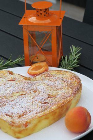 Fiadone fondant et frais aux abricot et à la fleur d'oranger