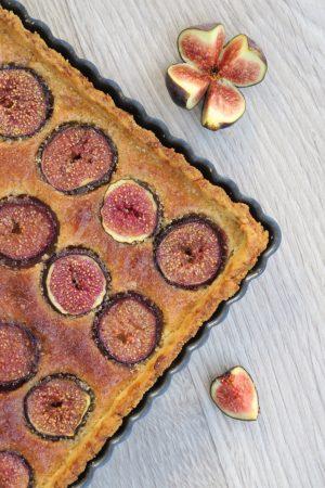 Tarte aux figues et à la crème d'amande.
